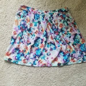 Floral skirt by hinge
